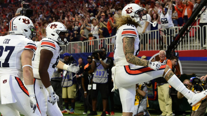 RECAP: Late Stop Gives Auburn Season-Opening Win