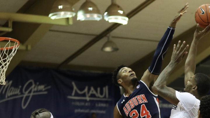 Auburn grinds out win in OT over Xavier in Maui; No. 1 Duke awaits