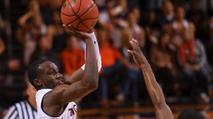 Auburn dominates #25 Washington Huskies