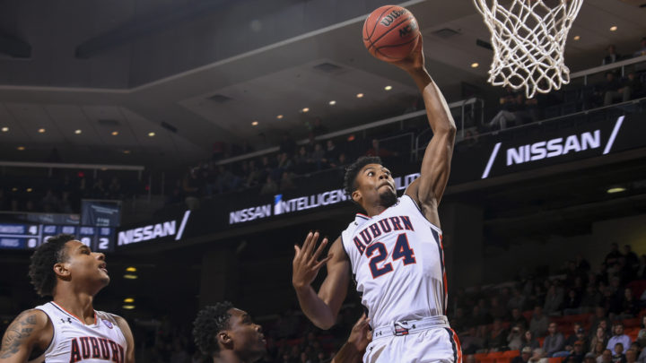 Auburn continues road woes, loses in Oxford 82-67